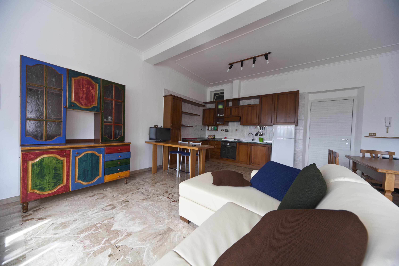 Apartamentos francesco in assisi for Sala de estar y cocina